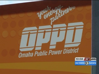 Why did the power flicker throughout Omaha?