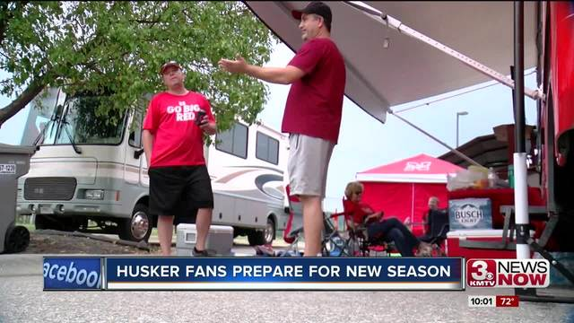 Husker fans get ready for Saturday night's game - KMTV.com
