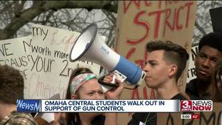 Hundreds of Omaha Central students walkout